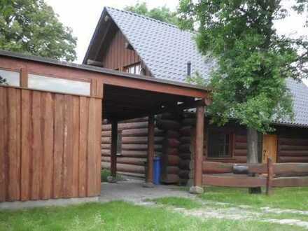 Schönes Naturstammhaus mit vier Zimmern in der Märkischen Schweiz