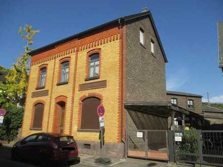 Freistehendes, großzügiges Einfamilienhaus mit Hinterhaus in bester Lage von Bonn-Beuel-Ramersdorf