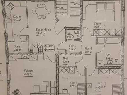 Gepflegte Wohnung mit fünf Zimmern und Balkon in Hettstadt