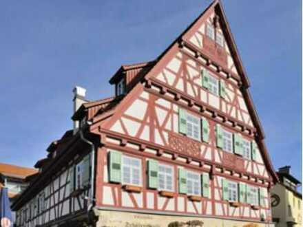 Schöne, geräumige vier Zimmer Wohnung im Fachwerkhaus in Weinstadt