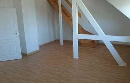 Neu saniert - Gemütliche Maisonettewohnung mit Treppe ins Dachgeschoss