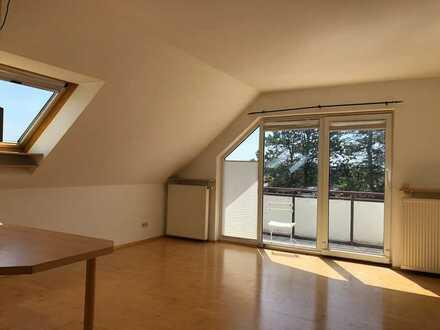 Freundliche, helle Eigentumswohnung mit Stellplatz und Balkon in beliebter Lage von OF-Rumpenheim