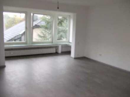Große helle 4,5 Raum-Wohnung in Bochum -Oberdahlhausen- mit Balkon