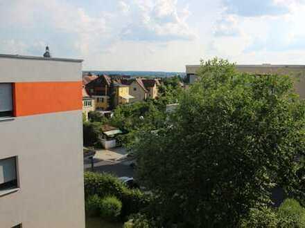 Neuwertige 2-Zimmer-Penthouse-Wohnung mit Balkon in Amberg