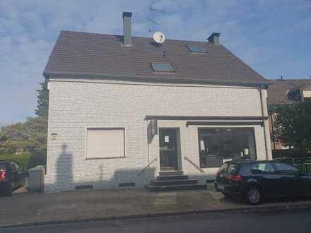 5 Familienhaus mit einer Gewerbeeinheit in Mülheim/Dümpten, provisionsfrei zu erwerben