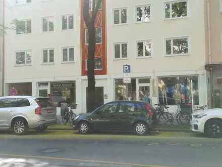 Laden in der Franz-Joseph-Straße 31