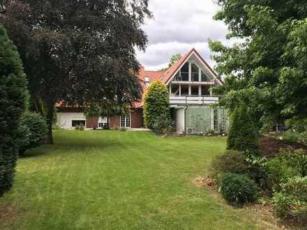 Schönes, geräumiges Haus mit parkähnlichem Garten in Dortmund, Nette