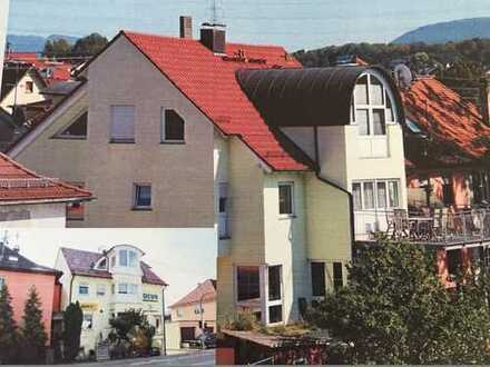 Gepflegte 4,5-Zimmer-Maisonette-Wohnung mit Balkon und Einbauküche in Nürtingen