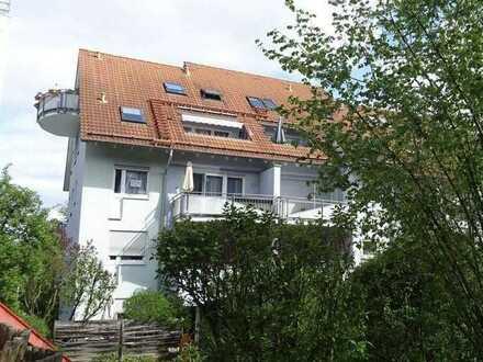 Gemütliche 2-Zimmer DG-Wohnung mit Balkon und Einbauküche in Kirchheim unter Teck