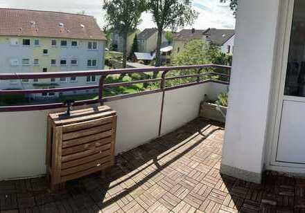 Gepflegte Wohnung mit vier Zimmern und Balkon in Bochum
