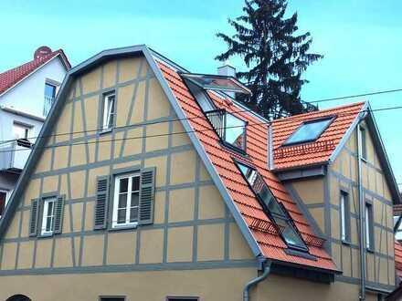 Moderne 2,5-Zimmer- Dachgeschosswohnung in Stuttgart-Uhlbach