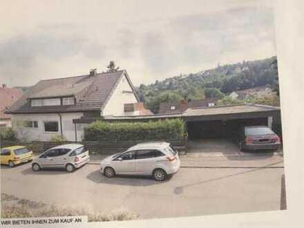 Exklusive, sanierte 3,5-Zimmer-Wohnung mit Balkon in Stuttgart