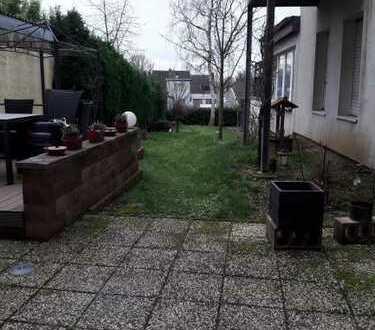 Großzügige 3 Zimmer Erdgeschoß-Wohnung mit schönem Garten in zentraler Lage von Mönchengladbach