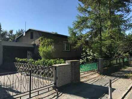 Vollunterkellertes Einfamilienhaus mit Aufstockungspotential in einer begehrten Lage in Kleinmachnow