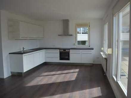 Zum Verkauf: lichtdurchflutete und großzügige 2 Zimmer-Wohnung mit großer Terrasse in Sölden!