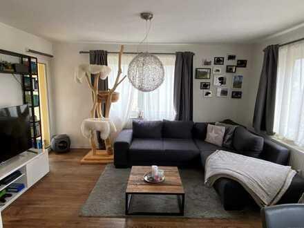 Moderne 2-Zimmer-Wohnung mit Balkon und Einbauküche in guter Lage