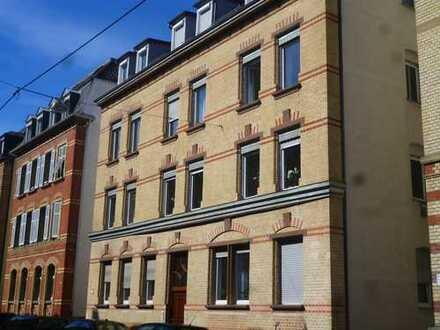 Großzügige 2 1/2-Zimmer-Wohnung in ruhiger Wohnlage von Stuttgart-Ost