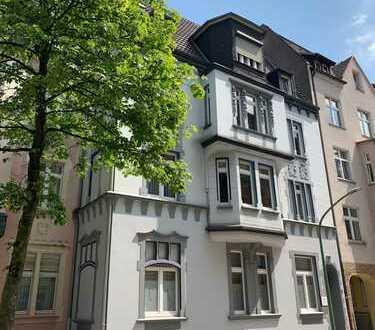 vollständig renovierte 4-Zimmer-Wohnung mit Balkon, mit evtl. Gartennutzung