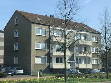 Modernisierte Wohnung mit dreieinhalb Zimmern und Balkon in Dinslaken