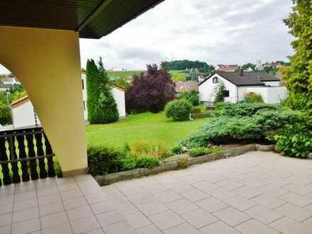 4,5 Zi. EG-Whg. mit EBK + großer Terrasse z. all-incl.-Preis für max.2 Personen