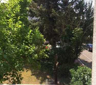 Helle und ruhige 2 Zi. Wohnung mit Balkon in Oberrad