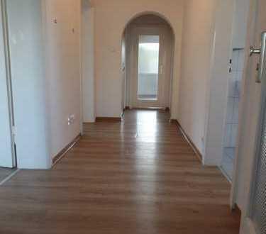 Gepflegte 3-Zimmer-Wohnung mit Balkon und EBK in Leinfelden-Echterdingen