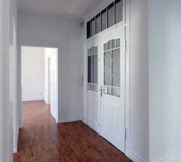 Wohnen mit Charme! Familienfreundliche 4-Zimmer-Wohnung mit Einbauküche und Balkon in Reutlingen