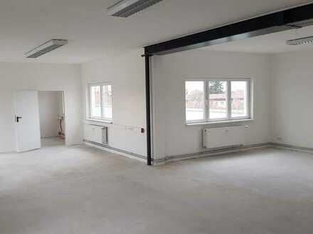Attraktive und helle Bürofläche mit Dachterrasse | Steglitz