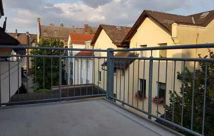 Wunderschöne helle 3 Zimmerwohnung im Dachgeschoß