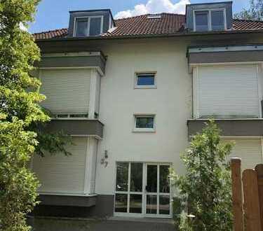 Sonnige 4-Zimmer-Dachgeschosswohnung mit Terrasse und Einbauküche in Falkensee in Seenähe
