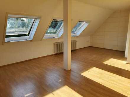 Helles Dachgeschoß - Single Apartment