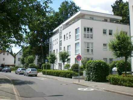 Stilvolle, gepflegte 3-Zimmer-Wohnung mit Balkon und Einbauküche in Offenbach am Main
