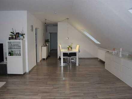 Großzügige, moderne Dachgeschosswohnung in Schwanewede!