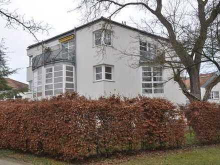 Besonders ruhige, helle 2-Zimmer-Wohnung in Regensburg-West, Nähe REZ, frei zum 1. Juli 2019