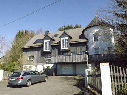 Außergewöhnliches Doppelhaus (2 WE) mit herrlicher Aussicht in Waigandshain