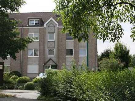 Gepflegte 2,5-Zimmer-Dachgeschosswohnung mit Dachterrasse Duisburg Alt-Hamborn