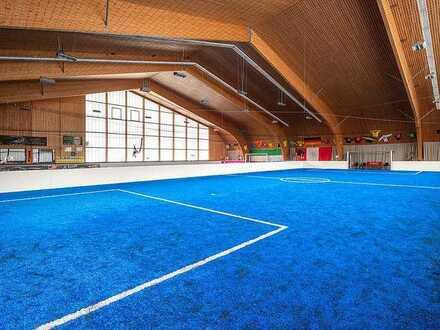 Große Mehrzweckhalle, vielseitig nutzbar, sehr gute Lage, hochwertig ausgestattet.