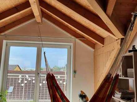 Gemütliches Haus mit Sichtdachstuhl und Garten