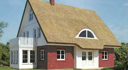 Villa mit Reetdach im Ostseebad Nienhagen inkl. großzügigem Grundstück!!!