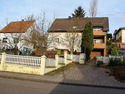 +++Großzügiges Einfamilienhaus oder Generationenhaus mit Garten, Balkonen, Garagen, in ruhiger Sü...