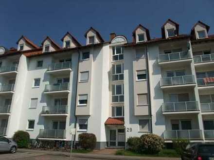 Geräumige, urgemütliche 1 - Zimmer - Dachgeschoßwohnung mit Einbauküche und ganz besonderem Flair!