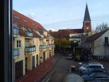 Altglienicke nahe Dorfkirche - Sonnige 2-Zimmerwohnung mit Balkon