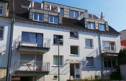 schöne 4,5 Zimmer Wohnung mit 2 Balkonen in einem moderniesierten Objekt nähe Stadtpark