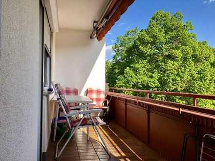 Schön geschnittene 3-Zimmer Wohnung mit Balkon