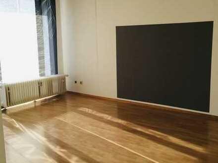 Frei ab 01. Juli 2020 - Helle 2 Zimmer-Wohnung nähe Schlössle Galerie