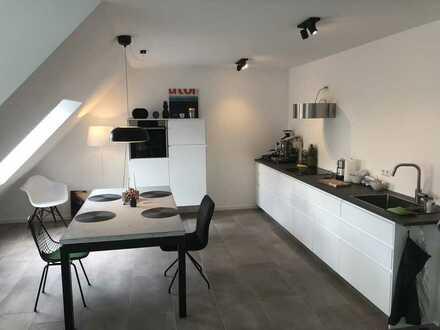 Nachmieter für Neuwertige 3-Raum-Wohnung mit Balkon und Einbauküche in Köln gesucht