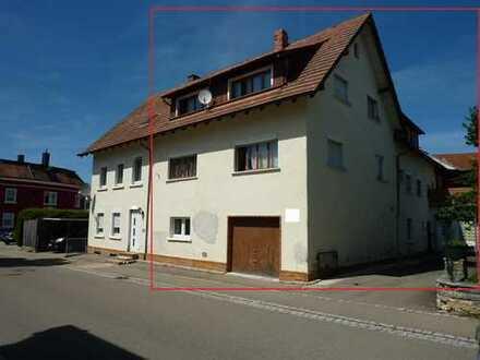 Geräumige Doppelhaushälfte mit 3 Wohneinheiten in zentraler Lage