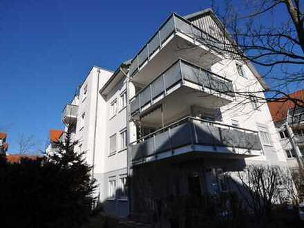+++frisch renoviert+++ 2-Raum Wohnung mit Terrasse und kleinem Garten