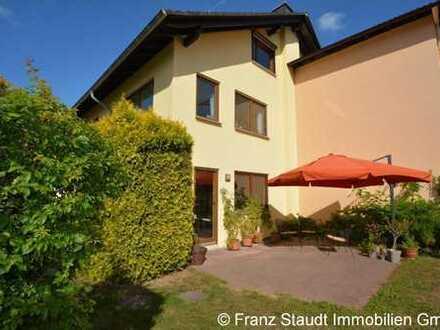 Doppelhaushälfte mit schönem Garten in Goldbach