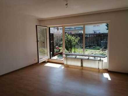 Modernisierte 2-Raum-Erdgeschoss-Wohnung mit Terasse in Bremen